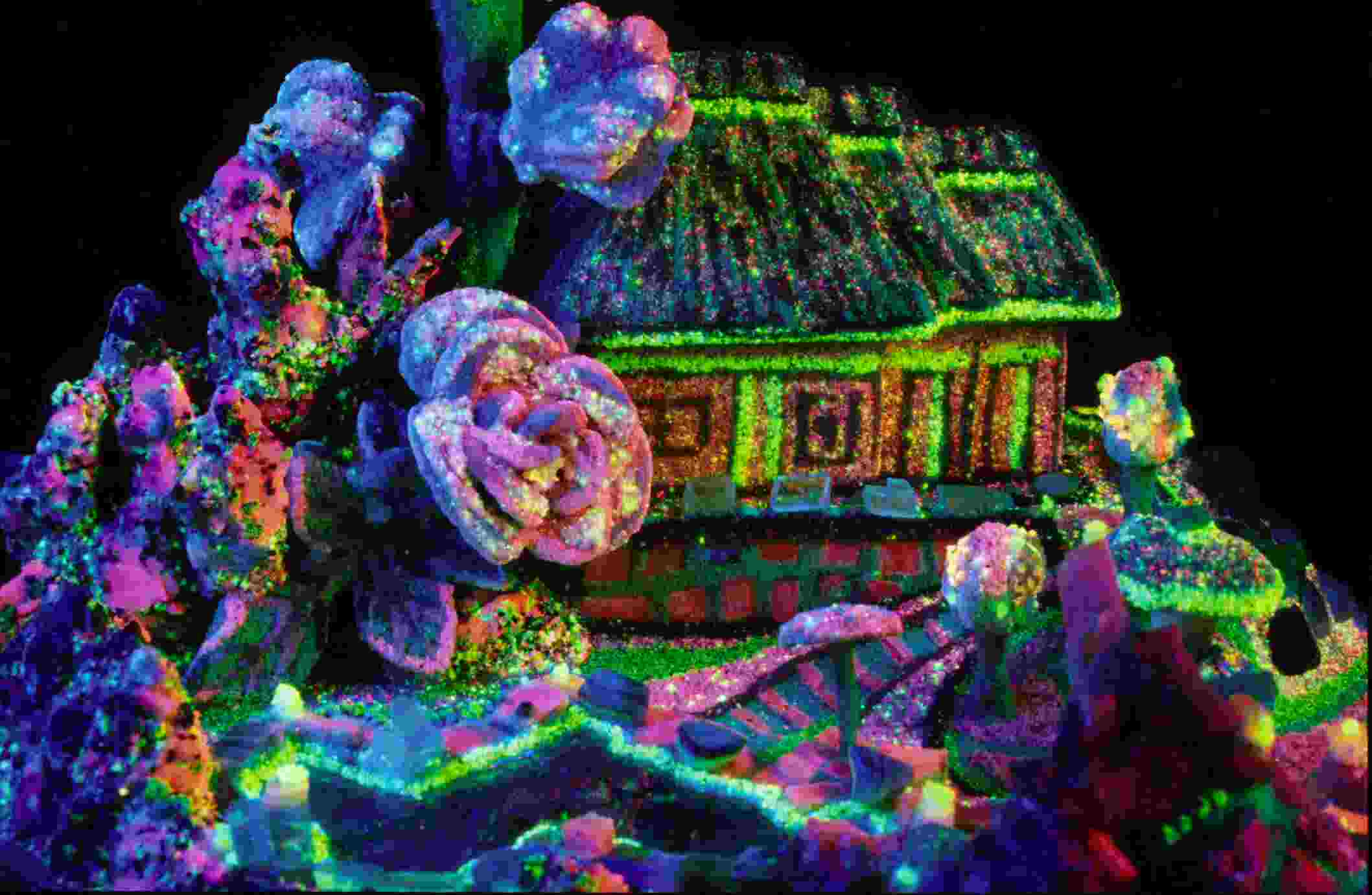 Fluorescence Of Colored Glass Beads